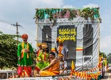 Exhibición masculina tradicional en el desfile de Karnataka Rajyotsava, yo del atuendo foto de archivo libre de regalías