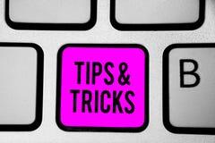 A exibição conceptual da escrita da mão derruba e engana Teclado acessível das habilidades das recomendações do conselho de Lifeh fotos de stock