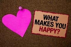 Exibição conceptual da escrita da mão o que lhe faz a pergunta feliz A felicidade apresentando da foto do negócio vem com amor e  Imagem de Stock Royalty Free