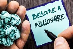 A exibição do texto do anúncio assenta bem em um milionário O conceito do negócio para que a ambição torne-se rica ganha afortuna Fotografia de Stock Royalty Free