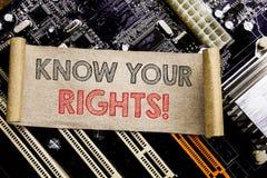 A exibição do texto da escrita conhece seus direitos Conceito do negócio para justiça Education Written na nota pegajosa, backgro Fotos de Stock Royalty Free