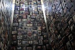 Exibição vasta de vítimas inocentes de Nazi Reign durante WWII, museu memorável do holocausto do Estados Unidos, Washington, C.C. fotos de stock royalty free