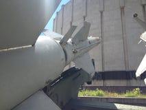 Exibições militares do museu foto de stock