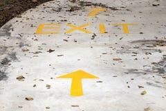 Exit way and arrow sign Royalty Free Stock Photos