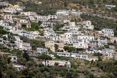 Exklusive Landhäuser und Wohnungen auf der felsigen Küste von Amalfi Kampanien Lizenzfreies Stockbild