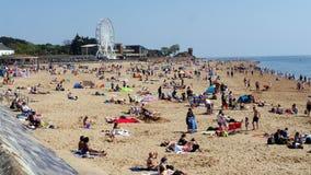 Exmouth Popularny kurort nadmorski w Devon Południowy Zachodni Anglia Tłoczy się kierdla plaża na Maja dniu wolnym od pracy Niedz Zdjęcie Stock