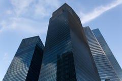 Exorbitante toren blauwe hemel Stock Foto