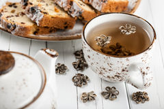 Exotic tea and cake Royalty Free Stock Image