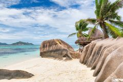 Exotisch strand van Seychellen, het eiland van La Digue, royalty-vrije stock afbeelding