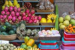 Exotische Früchte auf dem Zähler, Nha Trang Stockfotografie