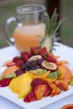 Exotische Frucht-Mehrlagenplatte Stockfoto