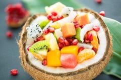 Exotische fruitsalade royalty-vrije stock foto