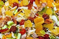 Exotische gedroogd fruitmengeling op Kruidbazaar, Istanboel stock foto