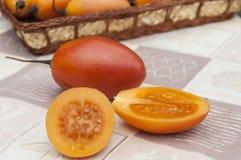 Exotische Obstbaum Tomate oder Tamarillo Stockbild