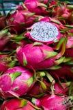 Exotische siamesische Frucht. Drachefrucht Lizenzfreie Stockfotos