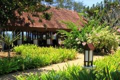 Exotischer Garten-Pavillon lizenzfreies stockbild