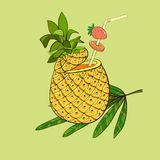 Exotisk coctail i ananas Royaltyfria Bilder