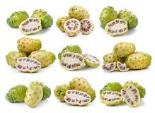 Exotisk frukt, Noni frukter Royaltyfri Fotografi
