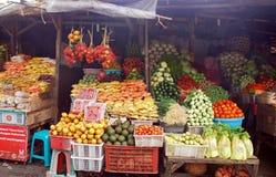 Exotisk fruktgatamarknad, Bali, Indonesien Fotografering för Bildbyråer