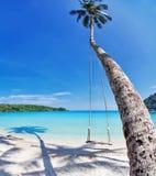 Exotisk tropisk strand. Arkivfoton
