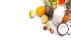 Exotiska alkoholdrinkar ställde in övre sikt Fotografering för Bildbyråer