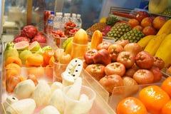 Exotiska frukter, asiatisk marknad Fotografering för Bildbyråer