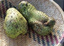 Exotiska frukter i africa royaltyfri foto