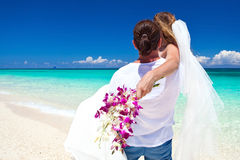 Exotiskt tropiskt bröllop arkivbilder