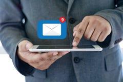 Expédiez le message de connexion de communication à la boîte de réception de expédition de contacts image stock