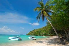 Expédiez les bateaux, canots automobiles au bord de mer photos libres de droits