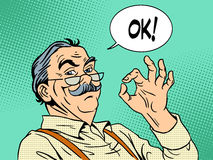 Expérience d'approbation de vieil homme d'ok de geste de grand-papa illustration libre de droits