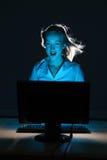 Expérience d'Internet d'imagination pour le beau femme Image libre de droits