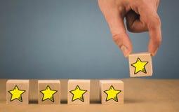 Expérience de client, enquête de satisfaction, estimation d'évaluation, d'augmentation et meilleurs excellents services évaluant  photos libres de droits