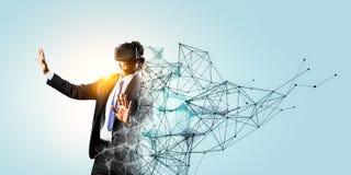 Expérience du monde virtuel de technologie Media mélangé image stock