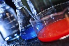 Expériences chimiques Photos stock