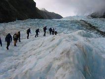 Expedição em uma geleira Fotos de Stock Royalty Free