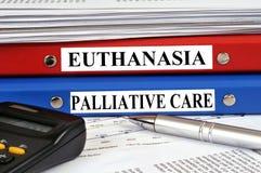 Expedientes de la eutanasia y del cuidado paliativo imágenes de archivo libres de regalías