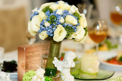 Expencive fancy bouquet with beautiful blue and pastel roses Royalty Free Stock Photos