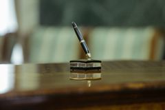 Expensive pen use to sign contracts Royalty Free Stock Image