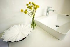 Expensive white bathroom Royalty Free Stock Photos