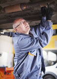 Experienced mechanic Royalty Free Stock Photos