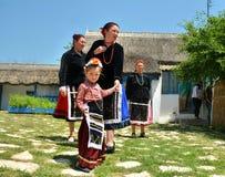 Experiencia auténtica y local en el pueblo de Visina, Rumania fotografía de archivo