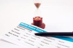 Experiment, Forschung oder Test in der Psychologie oder in der Psychiatrie Papierergebnis des Geistesstatusprüfungstests, zum der lizenzfreie stockfotos