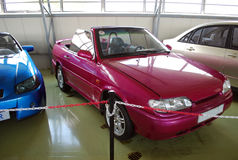 Experimentele auto's in het Technische museum van AVTOVAZ Stad van Togliatti Samaragebied Stock Foto's