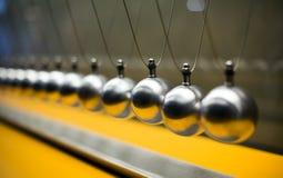 Experimento cartesiano de la ley de protección del impulso con los globos Imágenes de archivo libres de regalías