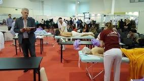 Expertos que participan en campeonato del masaje metrajes