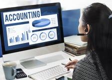 Explicar examinando o conceito do capital da contabilidade do equilíbrio fotografia de stock