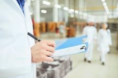 Explication des marchandises dans l'entrepôt photo libre de droits