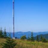 Exploitant van cellulaire communicatie toren Stock Afbeeldingen