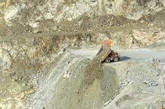 Exploitation d'exploitation à ciel ouvert, la ville d'Asbest, oblast de Sverdlovsk, Russie, Ural, 24 04 2016 ans Photos libres de droits